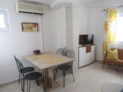 Apartamentos DIVNA - NEBO 10769, Baška Voda, , Região de Split-Dalmatia