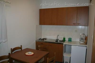 Apartamente PETRIĆ  I  *** 10942, Trogir, , Regiunea Split-Dalmatia