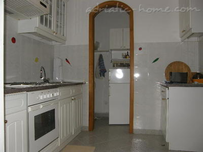 Apartmani ADRIA TOP HOUSE   F 10945, Omiš, , Splitsko-dalmatinska županija