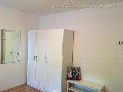 Апартаменты Apartman A & M 11853, Njivice, Krk, Регион Кварнер