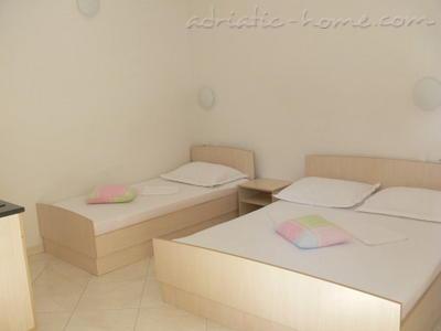 Appartamenti PRALAS 11989, Podaca, , Regione di Spalato - Dalmazia