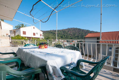 Apartamente VILLA LAGARRELAX IV Great for a group of friends 12185, Brna, Korčula, Regiunea Dubrovnic-Neretva
