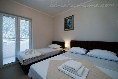Apartments SUNSET III 12244, Kumbor (Herceg Novi), Herceg Novi, Priobalni dio (Crna Gora)