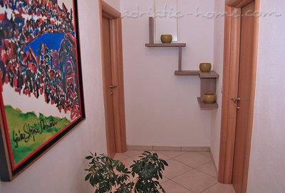 Apartmani JAKIĆ 3+2c Exclusive 12491, Tučepi, , Splitsko-dalmatinska županija