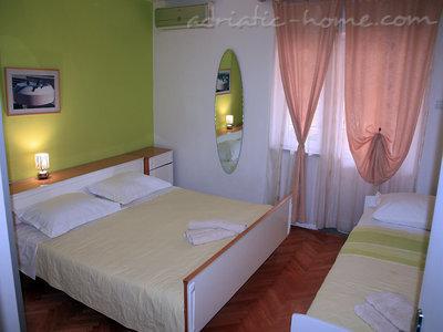 Apartmani JAKIĆ 7+1 12496, Tučepi, , Splitsko-dalmatinska županija