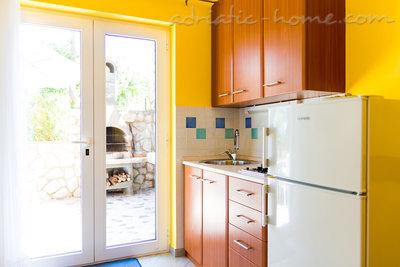 Студио Апартамент Studio apartment in Villa Majda, Brsec 12638, Brseč, , Приморие-Горски Котар