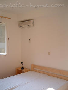 Apartments Bougainvillea 13612, Sveta Nedjelja, Hvar, Region Split-Dalmatia
