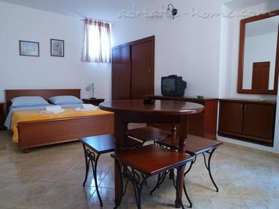 Studio apartment LUX DRAGOVIĆ II 15147, Petrovac, , Priobalni dio (Crna Gora)