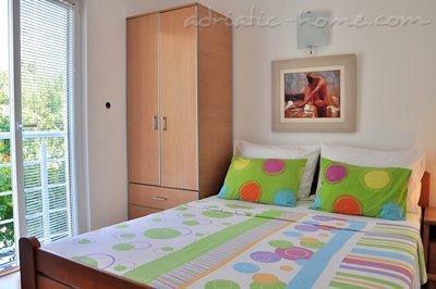 Apartamentos VILA MARIJA II 15174, Buljarica, , Priobalni dio (Crna Gora)