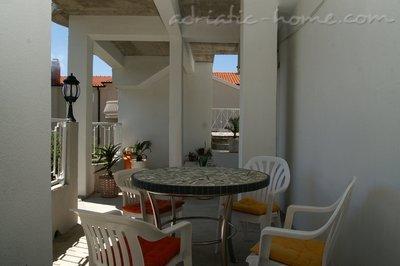 Apartamente Delfin III 15585, Tučepi, , Rajoni i Splitit/Dalmacisë