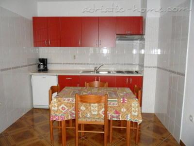 Апартаменти Golija A4 17266, Grad Pag, Pag, Задар