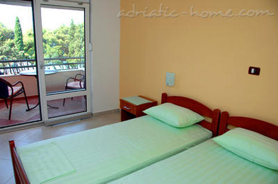 Apartmaji Private accommodation NEPTUN 17304, Bar, , Priobalni dio (Crna Gora)