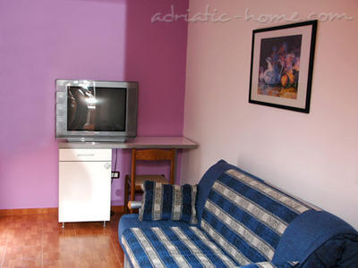 Apartmaji Private accommodation  NEPTUN II 17307, Bar, , Priobalni dio (Crna Gora)