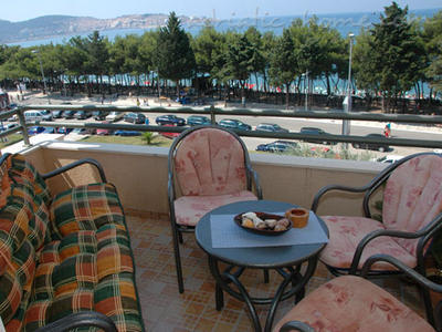 Sobe Private accommodation NEPTUN 17308, Bar, , Priobalni dio (Crna Gora)
