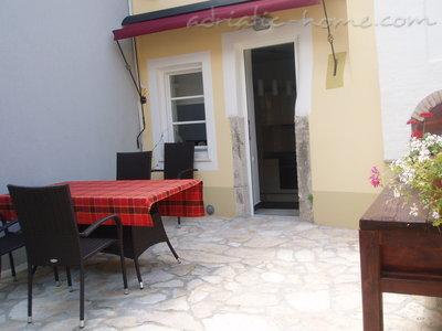 Апартаменти Kapetanovic 17524, Krk, Krk, Приморие-Горски Котар