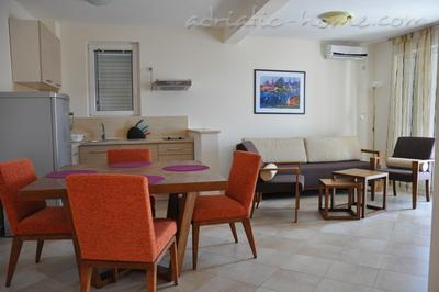 Apartments LILA AUREA www.lila-aurea.com  17760, Petrovac, , Priobalni dio (Crna Gora)