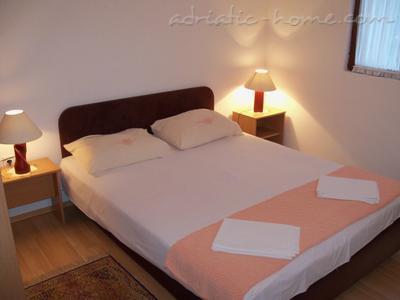 Apartments Suberic  20155, Center, Herceg Novi, Priobalni dio (Crna Gora)