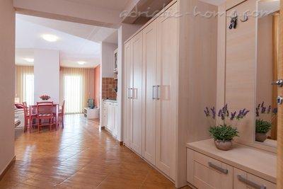 Studio apartament  Vranjes 2+1**** 20484, Brela, , Rajoni i Splitit/Dalmacisë