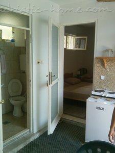 Apartments and Rooms VULOVIĆ 21623, Kumbor (Herceg Novi), Herceg Novi, Priobalni dio (Crna Gora)
