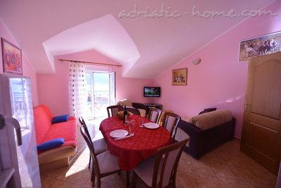 Apartmaji DELAC 2 21861, Kotor, , Priobalni dio (Crna Gora)
