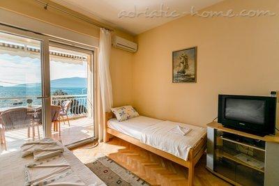Studio apartman br. 2 Sijerkovic Kumbor 24924, Kumbor (Herceg Novi), Herceg Novi, Priobalni dio (Crna Gora)
