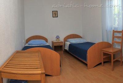 Appartamenti Ivan 25045, Supetar, Brač, Regione di Spalato - Dalmazia