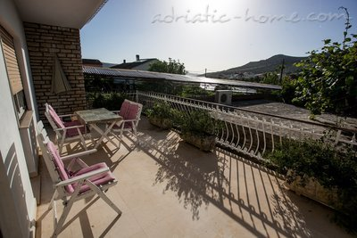 Ferienwohnungen Kursan*** 26272, Seget Vranjica, , Gespanschaft Split-Dalmatien