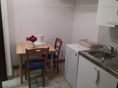 Apartamente LOVRE OKMAŽIĆ - A2 26795, Omiš, , Regiunea Split-Dalmatia