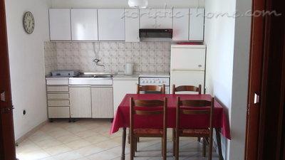 Апартаменты LOVRE OKMAŽIĆ - A3 26796, Omiš, , Сплит-Далмация