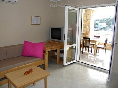 Apartmani VILA IVO - A4 26879, Basina, Hvar, Splitsko-dalmatinska županija