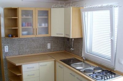 Apartments RAKIĆ III 27003, Zavala, Hvar, Region Split-Dalmatia