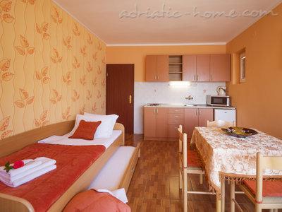 Apartmaji STELLA DEL MARE II 27496, Risan, , Priobalni dio (Crna Gora)