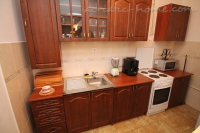 Апартаменти VILLA MENDULE APPARTMENT 1  27620, Budva, , Priobalni dio (Crna Gora)