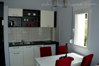 Appartementen MM - 8 persons 27653, Budva, , Priobalni dio (Crna Gora)