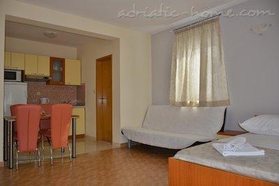 Apartmani Vujčić 3 28079, Makarska, , Splitsko-dalmatinska županija