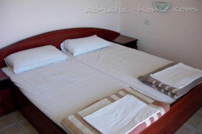 Apartmani KONAK VUKOJEVIĆ 29315, Bar, , Priobalni dio (Crna Gora)