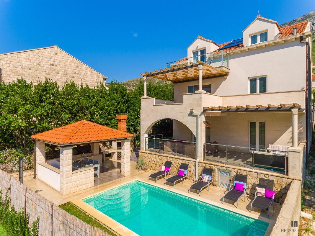 Hedera A23 322, Mokošica, Dubrovnik, Dubrovnik region