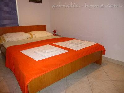 """Appartementen """"Ruza""""Apartman A1 31386, Baška Voda, , Regio Split-Dalmatië"""