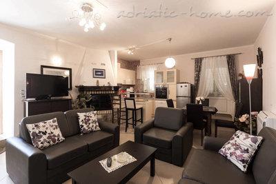 Apartamenty Villa Miramare 31740, Kotor, , Priobalni dio (Crna Gora)