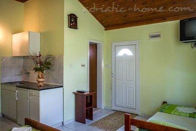 Apartamente & Auto Camp Nirvana III 32232, Kumbor (Herceg Novi), Herceg Novi, Priobalni dio (Crna Gora)
