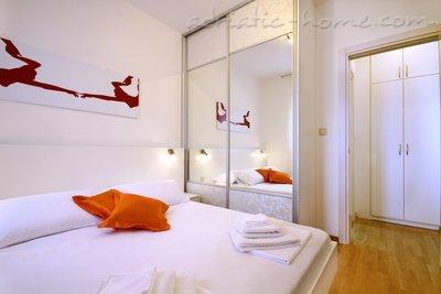Apartamente Sarap Apartments ****  33943, Budva, , Priobalni dio (Crna Gora)