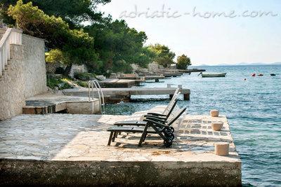 Leiligheter Villa Viktorija & Gabrijel A4+1 directly at sea, private beach and 4 boat landings 34014, Primošten, , Šibenik-regionen