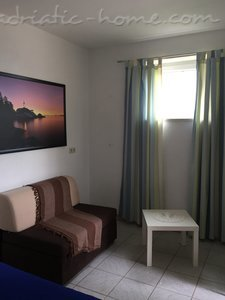 Studio apartment Apartments 2+1 34093, Bol, Brač, Region Split-Dalmatia