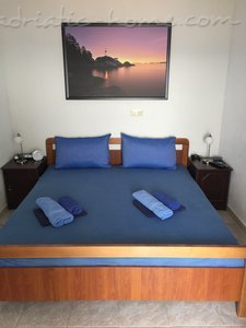 Rooms Room 2+1 34095, Bol, Brač, Region Split-Dalmatia