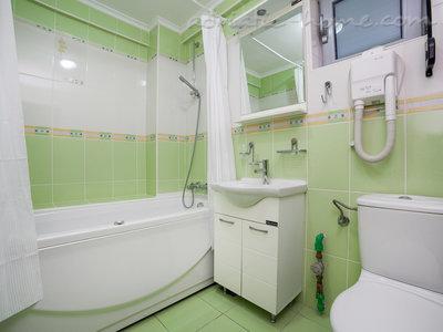 Apartamente RAYMOND-Apartman sa jednom spavacom sobom i balkonom koji se deli sa drugim apartmanom 35683, Pržno, , Priobalni dio (Crna Gora)