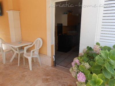 Apartamente IRENA 36115, Brodarica, , Rajoni i Shibenikut/Kninit