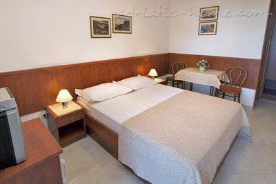 Apartamenty AnRi 1 36270, Brela, , Region Split Dalmacja