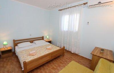 Апартаменти Ivana II 36439, Lovište, Pelješac, Дубровник-Неретва