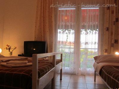 Комнаты PEN5 Vodice 36557, Vodice, , Регион Шибеник-Книн