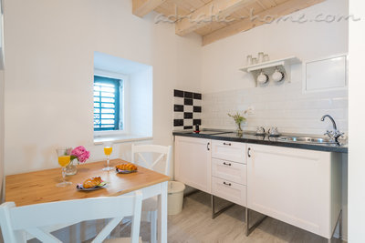 Studio La Boheme- Audrey Hepburn apartment 37388, Ploče, Dubrovnik, Dubrovnik Region